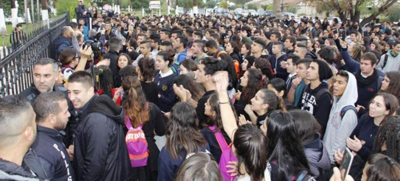 Liseliler Meclise Yürüdü!