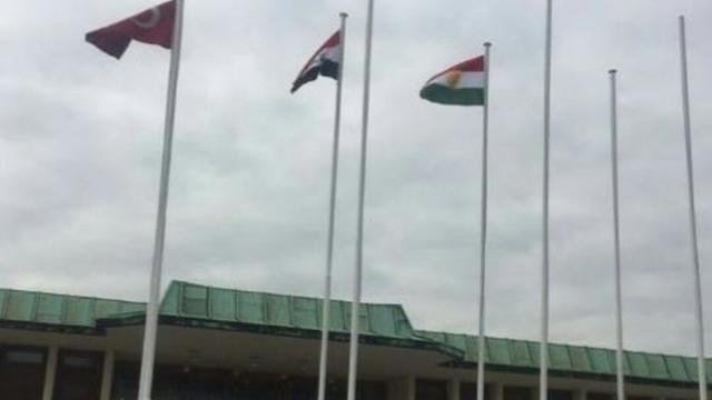 Mehmetçik bu bayrak için şehit olmadı!