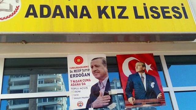 """Liselilerden """"Mustafa Kemal'in askerleriyiz"""" sloganıyla protesto!"""