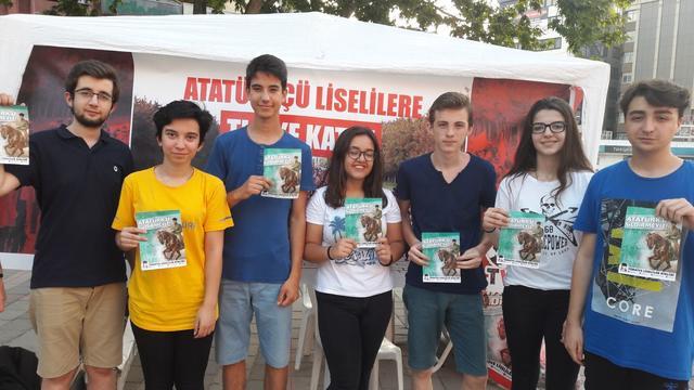"""Bursa'dan bir haftada 6000 """"Atatürk'ü sildirmeyiz!"""" imzası!"""
