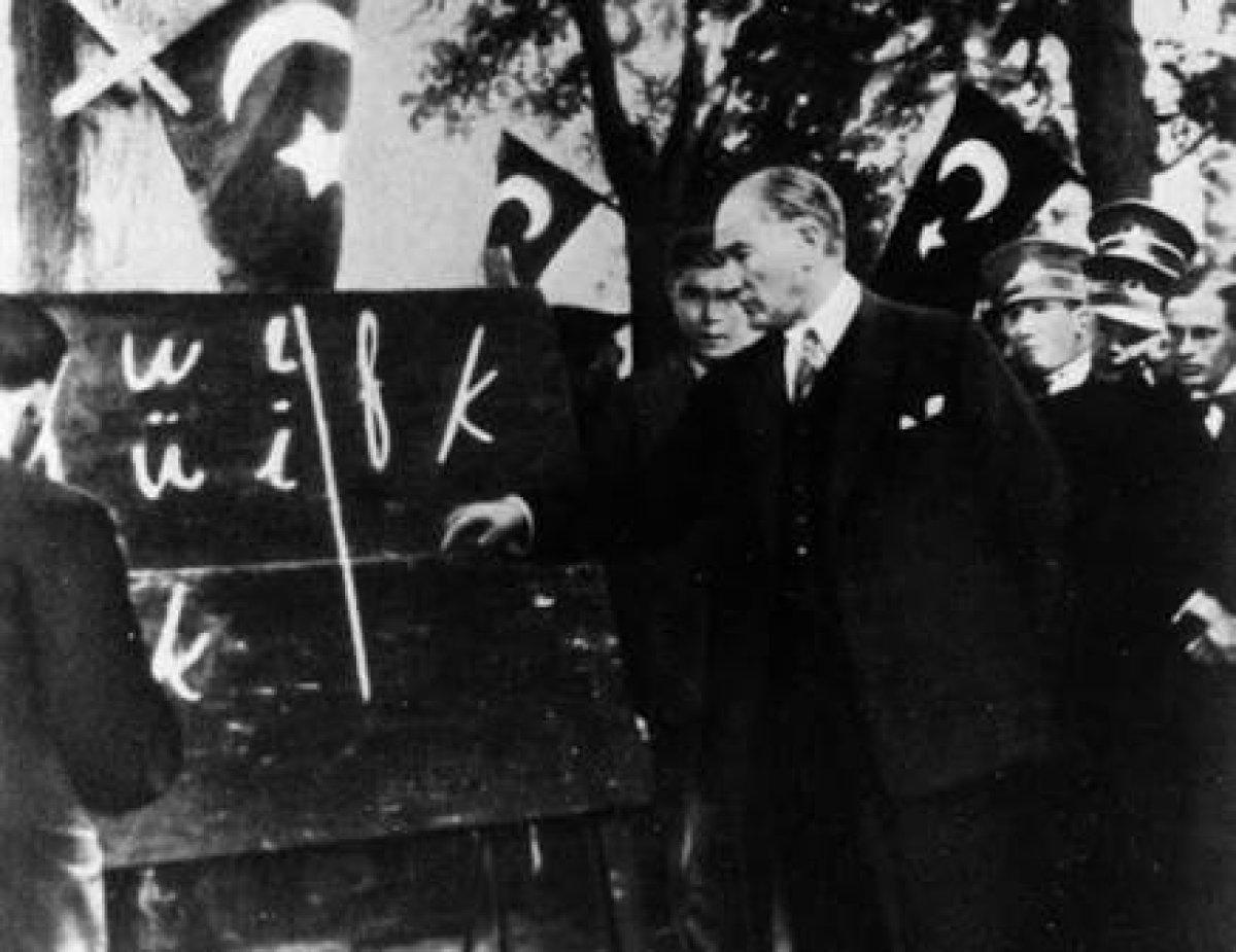 Başöğretmen Mustafa Kemal Atatürk'ün Arkasında Birleşiyoruz
