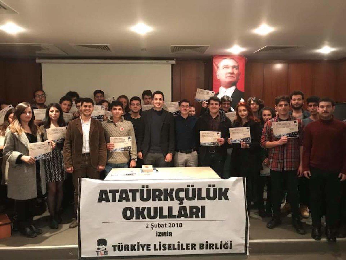 İzmirli liselilerden Atatürkçülük Okulları