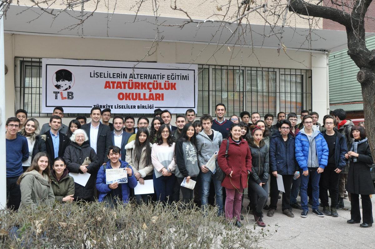 Liseliler Ankara'da Atatürkçülük Okulu'nda buluştu