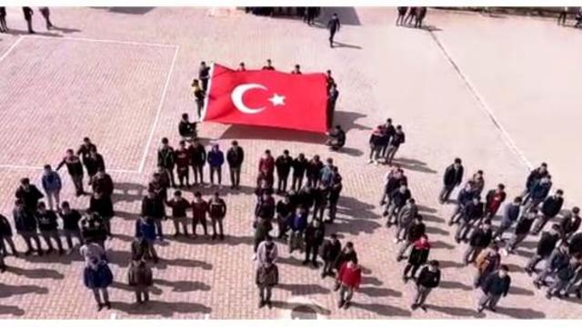 Kahramanmaraş'ın liselileri Mehmetçiğin yanında