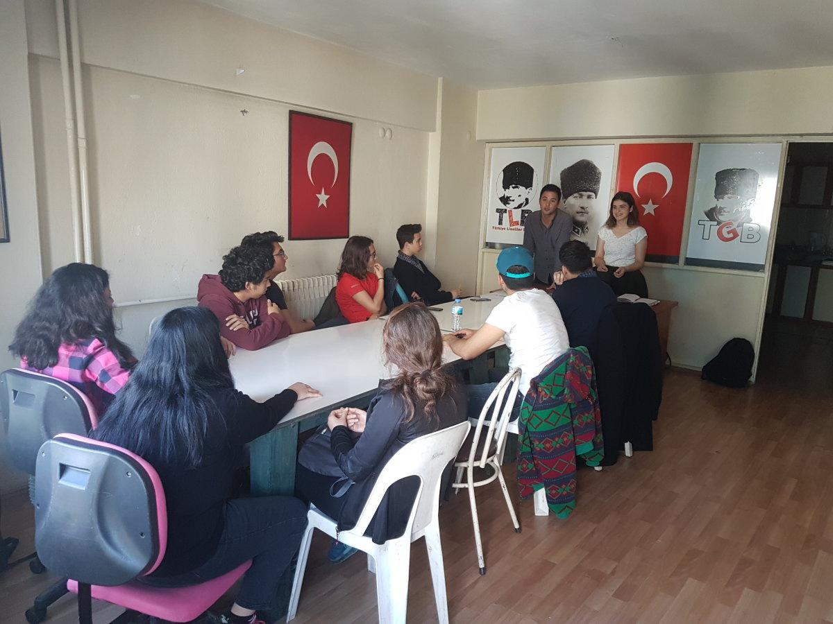 """TLB Menteşe """"Ders Arası"""" gündem tartışmasını gerçekleştirdi"""