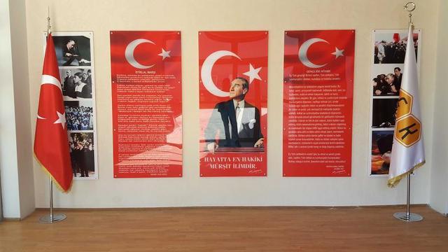 MEB kaybetti: Atatürk köşeleri kalıyor!