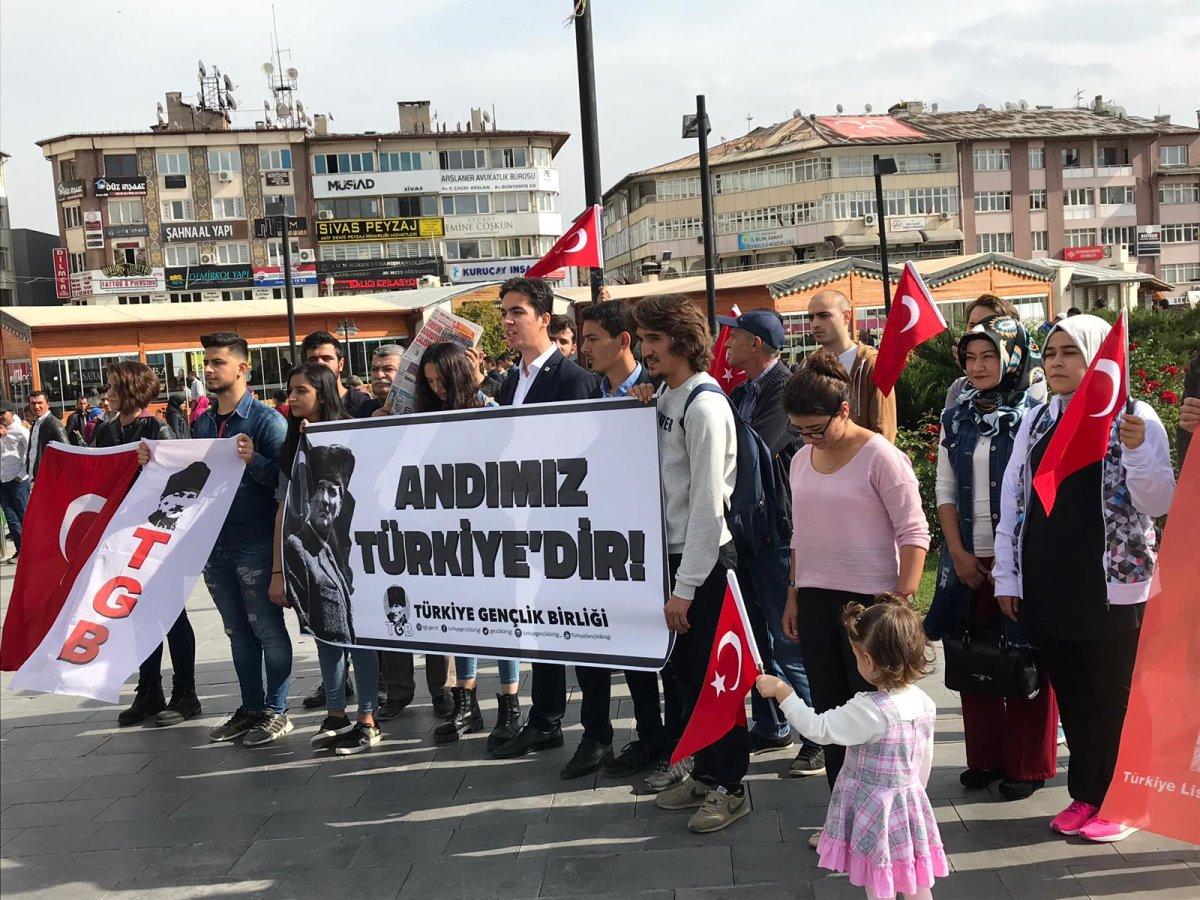 """Sivas """"Ne Mutlu Türküm Diyene"""" Dedi"""