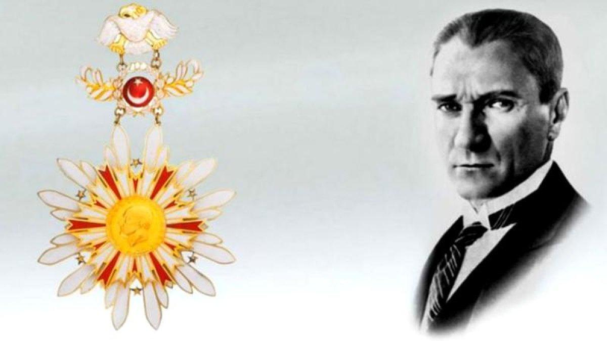 Danıştay: Devlet Nişanlarından Atatürk Kabartması Çıkartılmaz