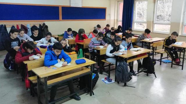 İstanbul'daki Okullarda İlk Ders Öykü Okuma