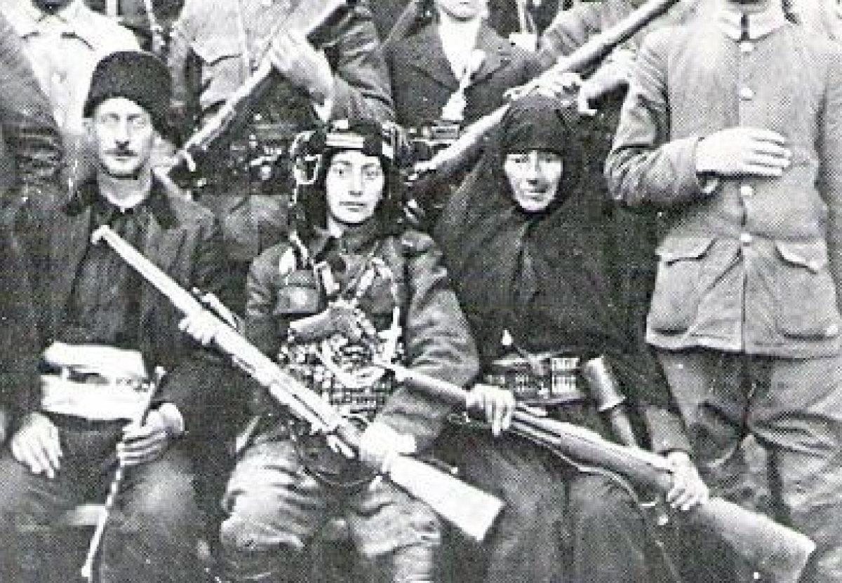 Kurtuluş Savaşında Türk Kadını En Ön Cephelerde Savaşmıştır