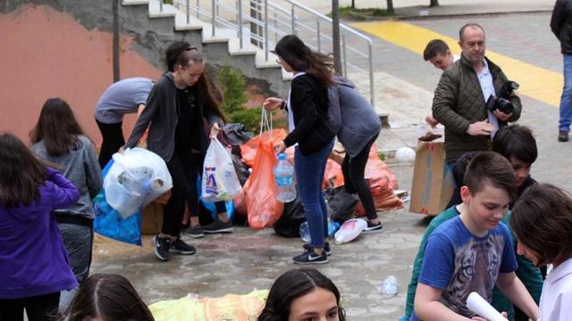 Öğrenciler Kazandıkları Parayı Mehmetçik İçin Bağışladı