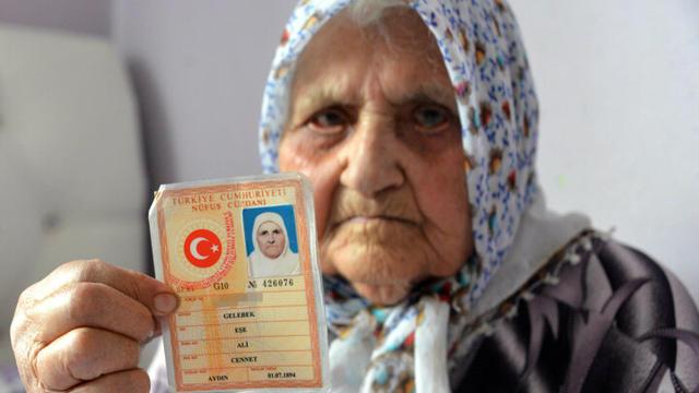 400 torun sahibi 126 yaşındaki Eşe Nine Koronavirüsü yendi.