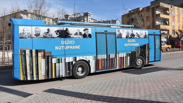 Şırnak'ın köyleri gezici kütüphane sayesinde kitapla buluşuyor