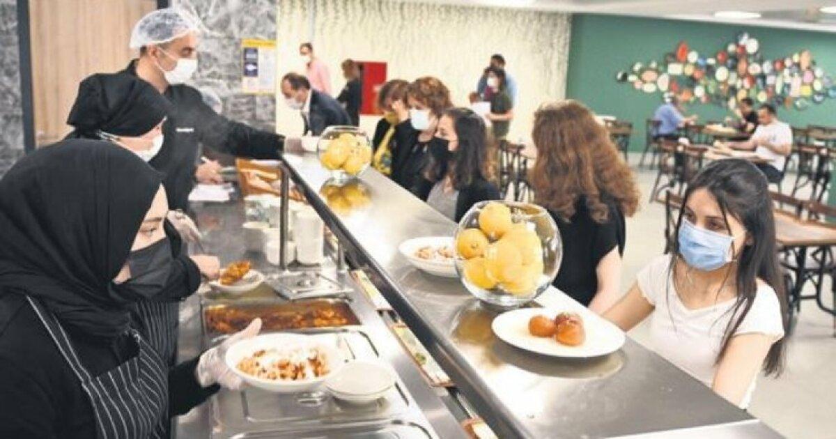 O Yemekleri Liseliler Pişiriyor